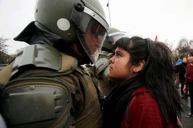 زنان، نوک پیکان مقاومت و مبارزه با خشونت. نترسیم،... نترسیم،... ما همه با هم هستیم!