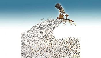 """با حصر خانگی خویش در روز """"!انتخابات؟"""" 24 خرداد 1392، خیابانها را خلوت بگذاریم و انزوای رژیم را عیان کنیم. ...اسم """"انتخابات"""" را اگر از روی این توهین بزرگ برداریم، آنچه به جای میماند یک فریبکاری آمیخته به ناجوانمردی است. انتخاباتی که از سر تا به پایش مهندسی که نه، دستمالی شده باشد، و از مقدمه تا مؤخرهاش توهین به حداقل شعور مخاطبان خود است..."""